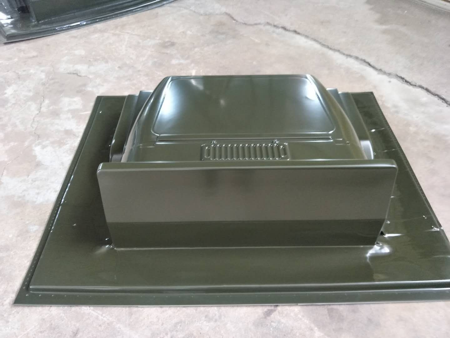 HW-1300 HDPE plastic turnover tray thick film blister machine